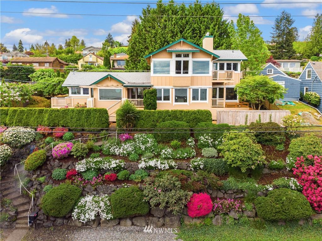 Sold Property | 10637 Rainier Avenue S Seattle, WA 98178 0