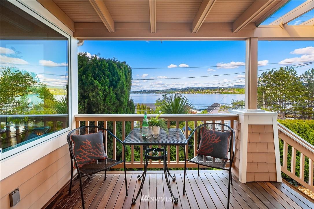 Sold Property | 10637 Rainier Avenue S Seattle, WA 98178 2