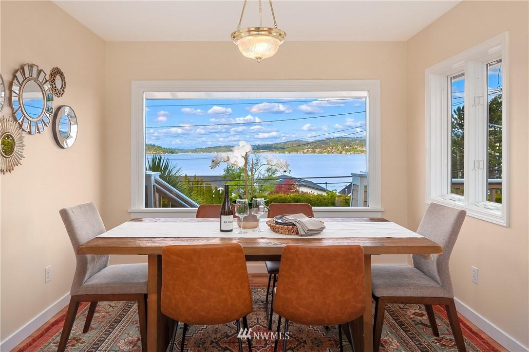 Sold Property | 10637 Rainier Avenue S Seattle, WA 98178 4