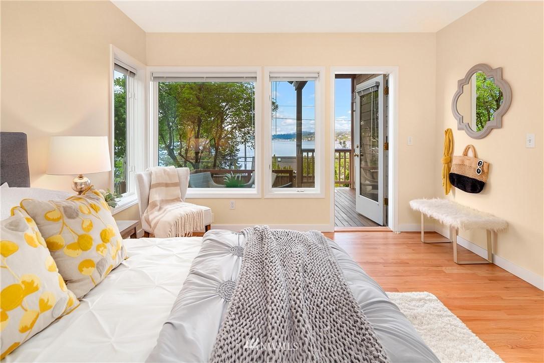 Sold Property | 10637 Rainier Avenue S Seattle, WA 98178 11