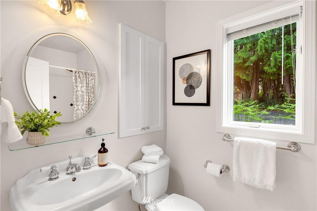 Sold Property | 10637 Rainier Avenue S Seattle, WA 98178 14