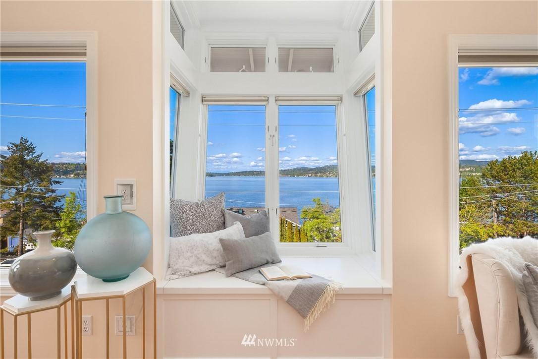 Sold Property | 10637 Rainier Avenue S Seattle, WA 98178 17