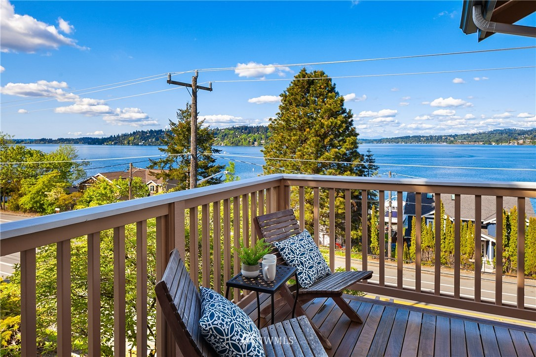Sold Property | 10637 Rainier Avenue S Seattle, WA 98178 22