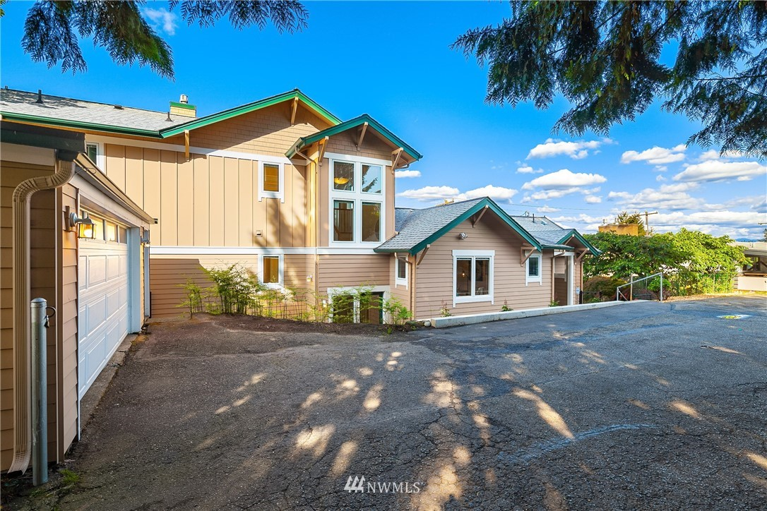 Sold Property | 10637 Rainier Avenue S Seattle, WA 98178 28