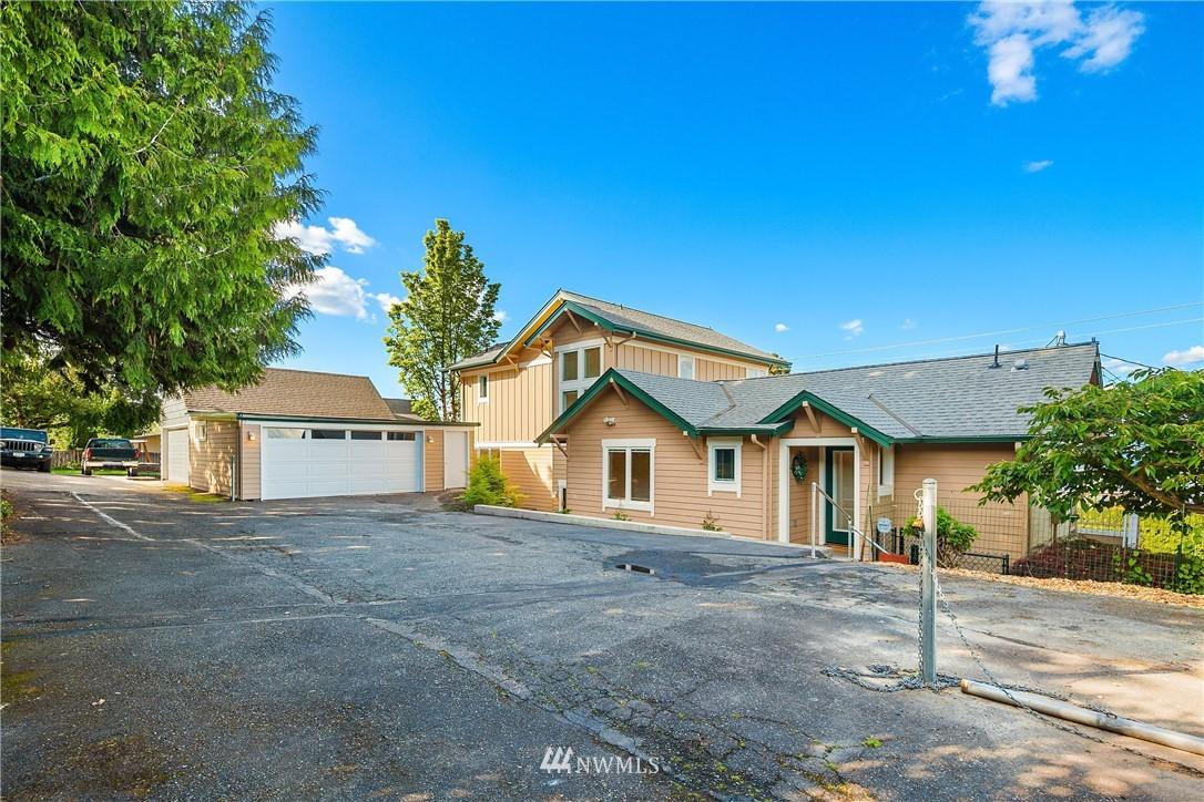 Sold Property | 10637 Rainier Avenue S Seattle, WA 98178 27