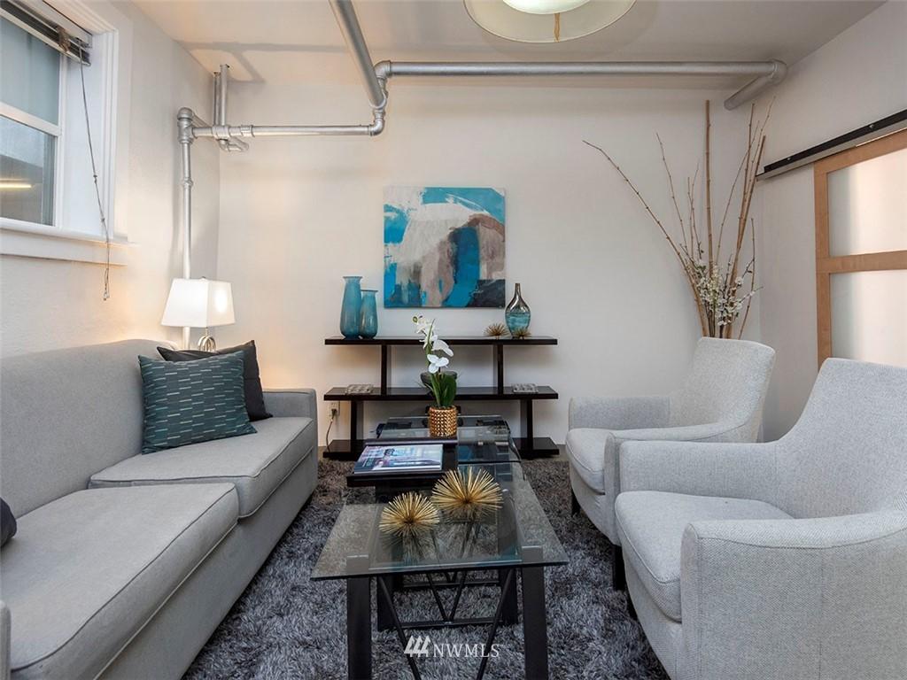 Sold Property   1107 E Denny Way #D5 Seattle, WA 98122 11