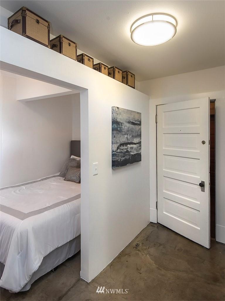 Sold Property   1107 E Denny Way #D5 Seattle, WA 98122 12