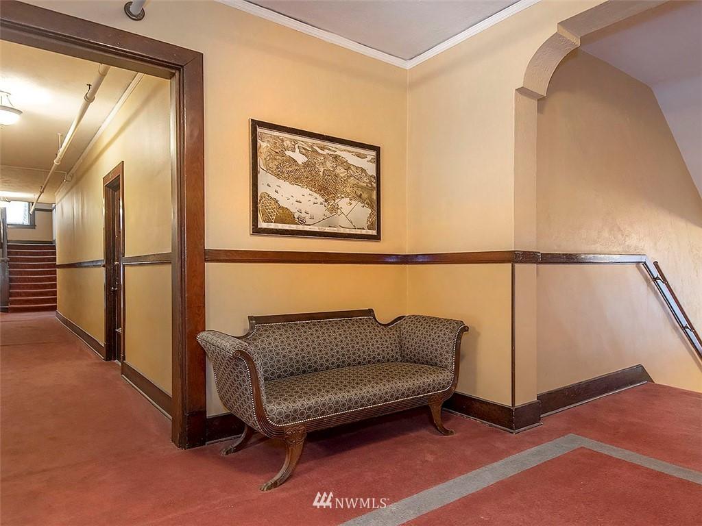 Sold Property   1107 E Denny Way #D5 Seattle, WA 98122 17