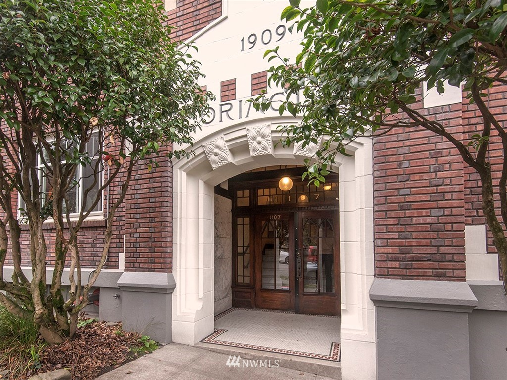 Sold Property   1107 E Denny Way #D5 Seattle, WA 98122 18
