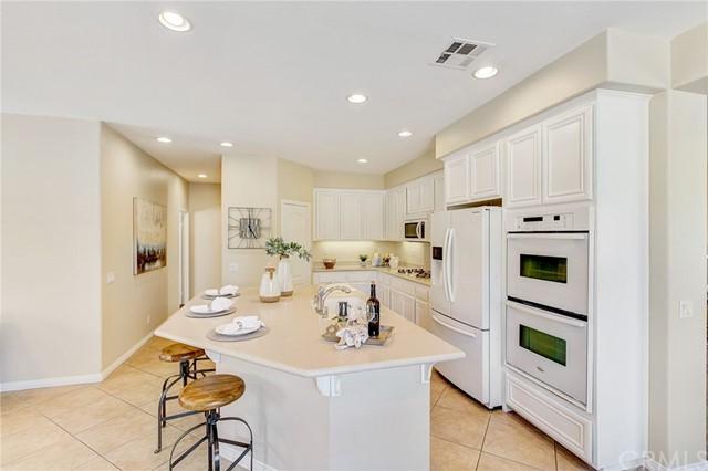 Active Under Contract   41 Teaberry Lane Rancho Santa Margarita, CA 92688 9