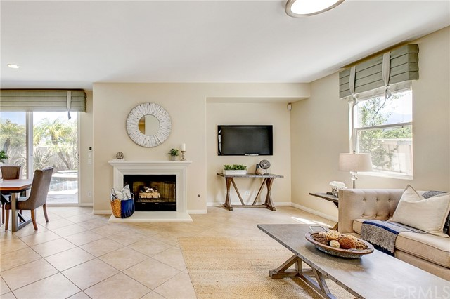 Active Under Contract   41 Teaberry Lane Rancho Santa Margarita, CA 92688 20