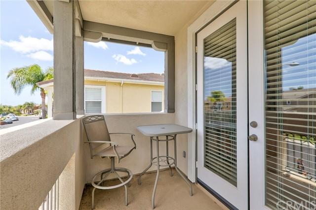 Active Under Contract   41 Teaberry Lane Rancho Santa Margarita, CA 92688 48