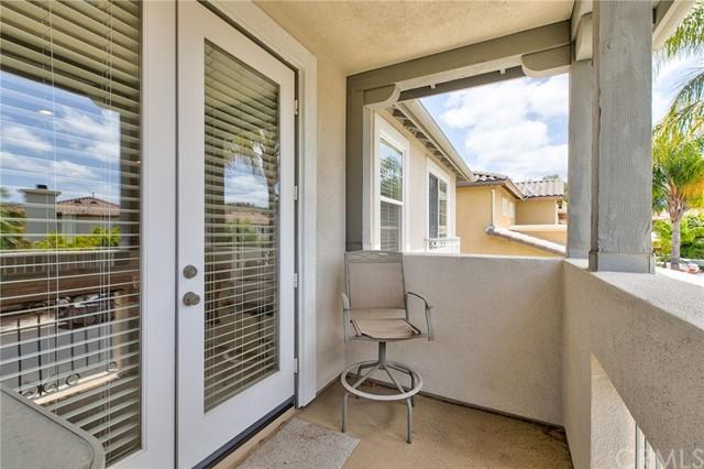Active Under Contract   41 Teaberry Lane Rancho Santa Margarita, CA 92688 49
