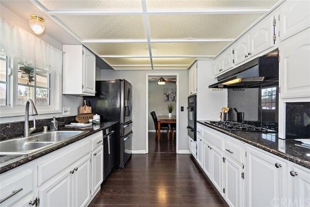 Pending | 863 Candlewood Street Brea, CA 92821 10