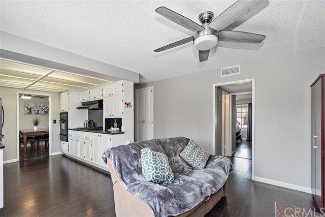 Pending | 863 Candlewood Street Brea, CA 92821 14