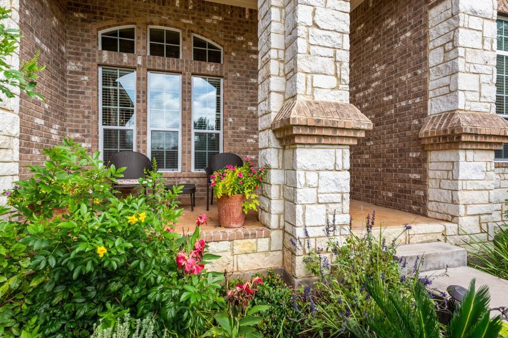 Pending | 12216 Lostwood Circle Austin, TX 78748 2