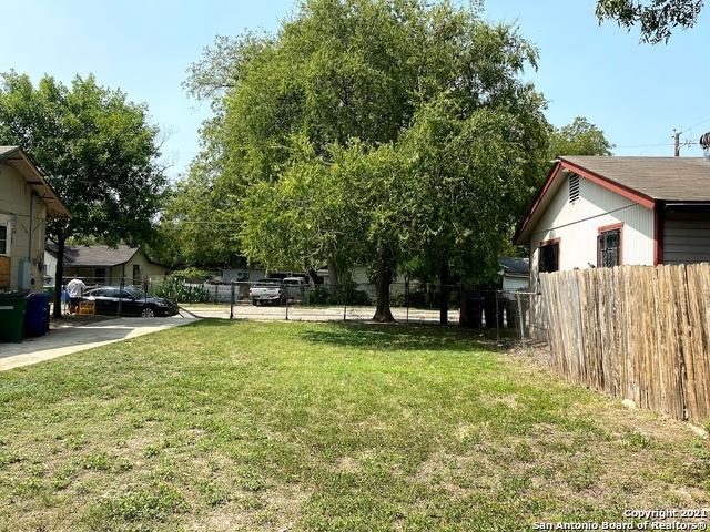 Active | 806 S SAN DARIO AVE San Antonio, TX 78237 4