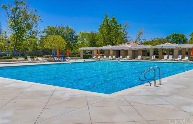 Pending   21116 Briarwood Lane Rancho Santa Margarita, CA 92679 35