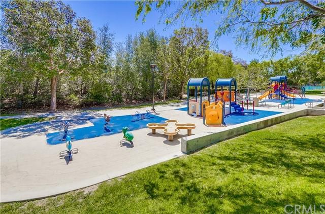 Pending   21116 Briarwood Lane Rancho Santa Margarita, CA 92679 37