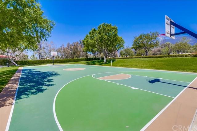 Pending   21116 Briarwood Lane Rancho Santa Margarita, CA 92679 38