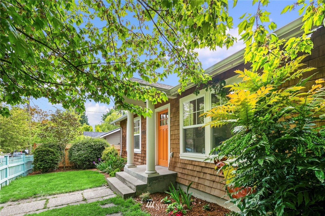 Sold Property | 2313 30th Avenue S Seattle, WA 98144 1