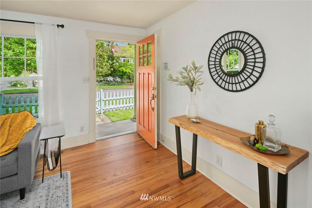Sold Property | 2313 30th Avenue S Seattle, WA 98144 3