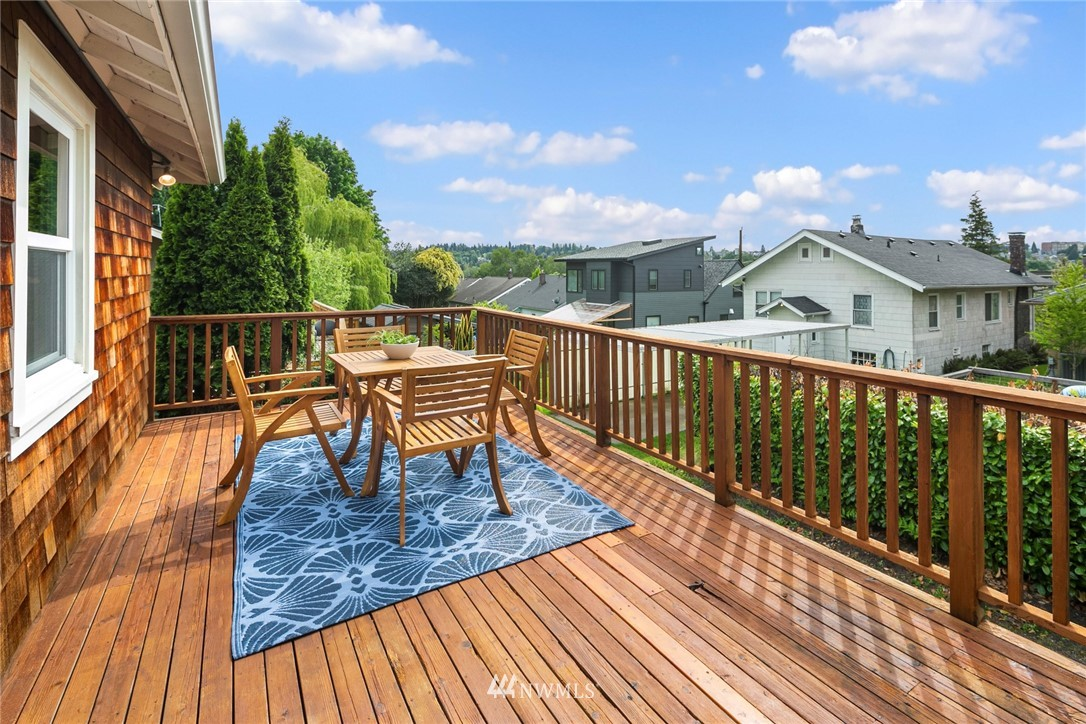 Sold Property | 2313 30th Avenue S Seattle, WA 98144 10