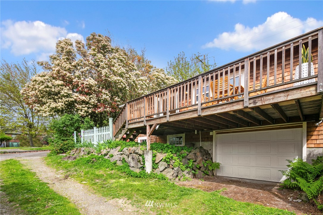 Sold Property | 2313 30th Avenue S Seattle, WA 98144 24