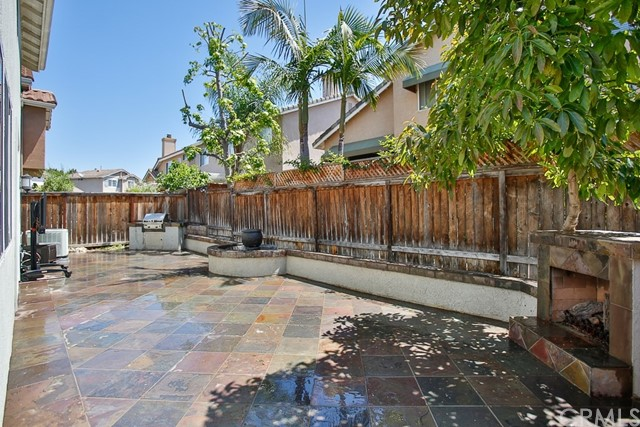 Active Under Contract   12 Tanglewood Lane Rancho Santa Margarita, CA 92688 20