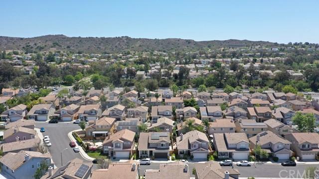 Active Under Contract   12 Tanglewood Lane Rancho Santa Margarita, CA 92688 25
