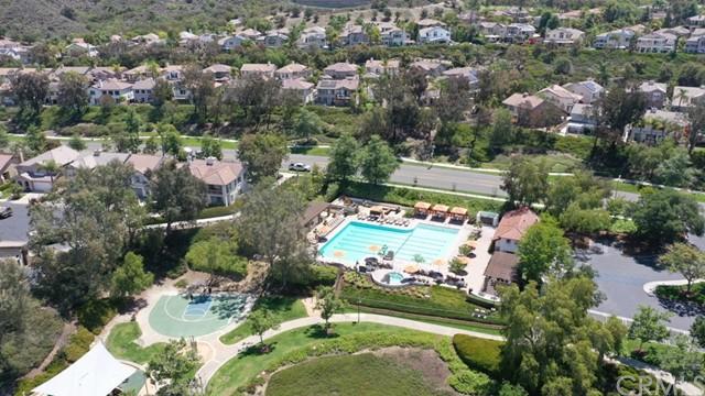 Active Under Contract   12 Tanglewood Lane Rancho Santa Margarita, CA 92688 29
