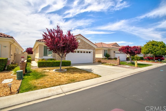Closed   1769 Desert Poppy Lane Beaumont, CA 92223 2