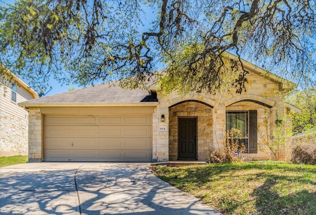 Active | 1604 Melissa Oaks Lane Austin, TX 78744 1
