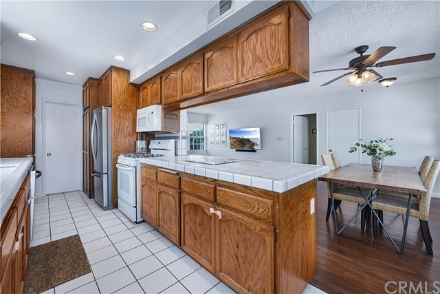 Pending | 5348 W 142nd Place Hawthorne, CA 90250 12