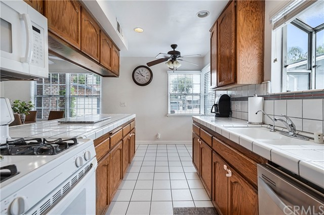 Pending | 5348 W 142nd Place Hawthorne, CA 90250 10