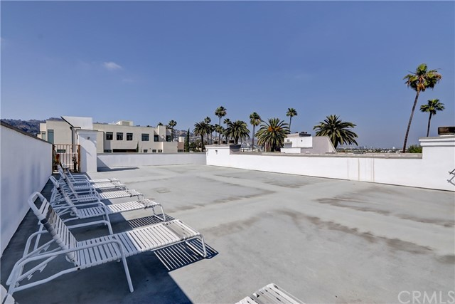 Active | 439 N Doheny Drive #204 Beverly Hills, CA 90210 20