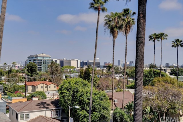 Active | 439 N Doheny Drive #204 Beverly Hills, CA 90210 23