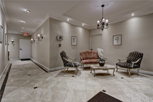 Active | 439 N Doheny Drive #204 Beverly Hills, CA 90210 26