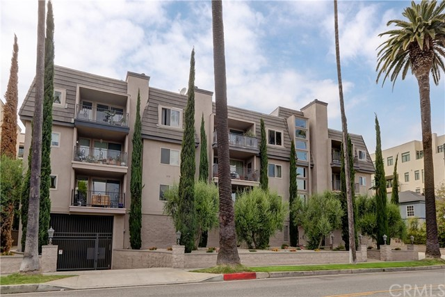 Active | 439 N Doheny Drive #204 Beverly Hills, CA 90210 30