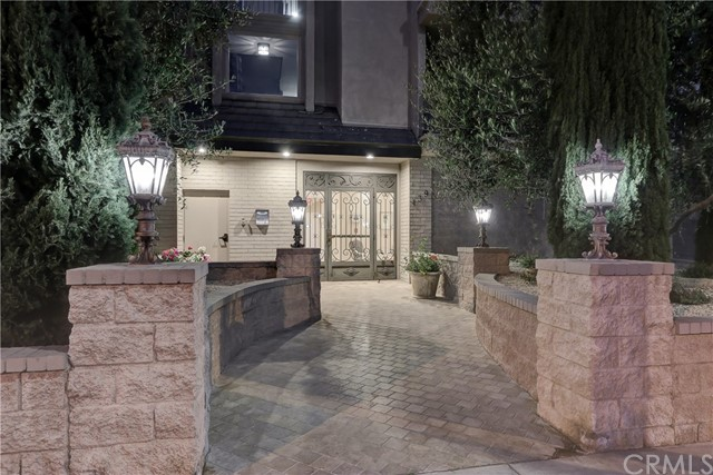 Active | 439 N Doheny Drive #204 Beverly Hills, CA 90210 31