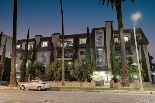 Active | 439 N Doheny Drive #204 Beverly Hills, CA 90210 33