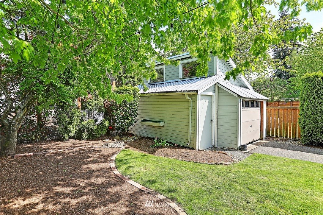 Sold Property | 6528 12th Avenue NW Seattle, WA 98117 20