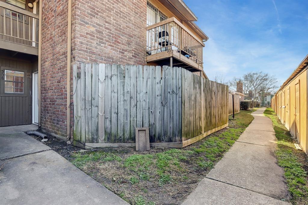 Active | 9550 Deering Drive #305 Houston, Texas 77036 0