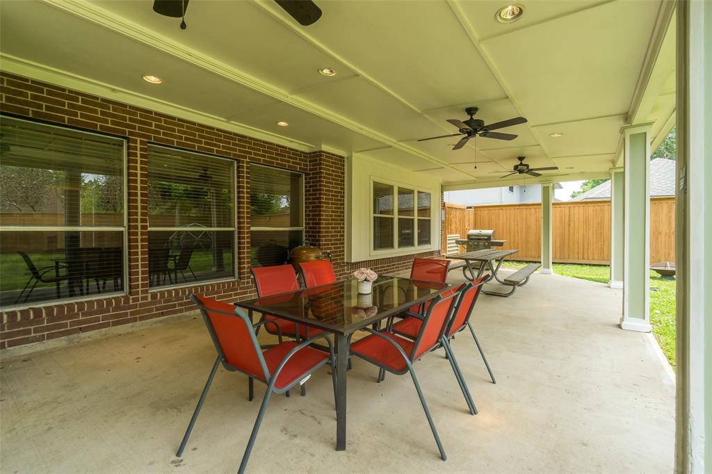 Off Market   1620 Falcon Ridge Boulevard Friendswood, Texas 77546 35