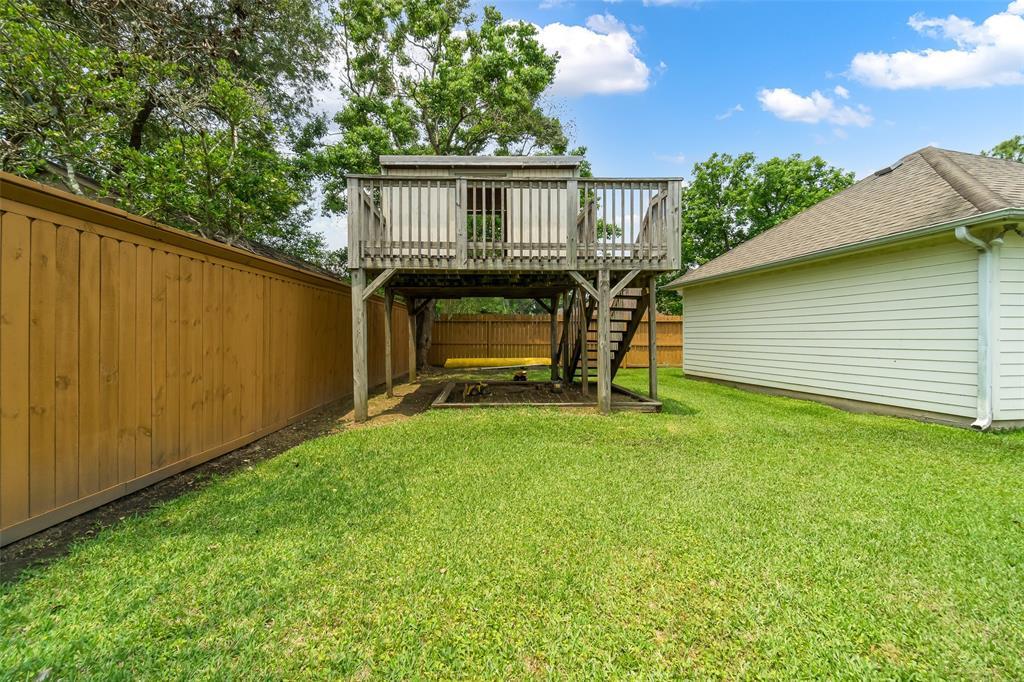 Off Market   1620 Falcon Ridge Boulevard Friendswood, Texas 77546 39