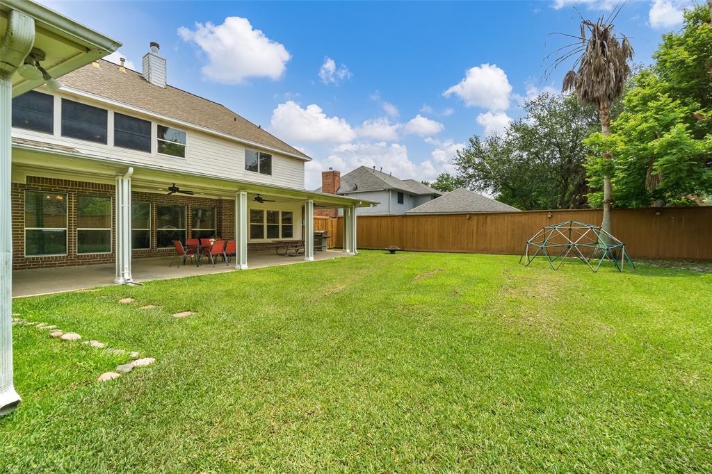 Off Market   1620 Falcon Ridge Boulevard Friendswood, Texas 77546 40