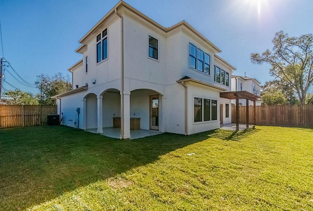 Active | 1463 Oak Tree Drive Houston, Texas 77055 34