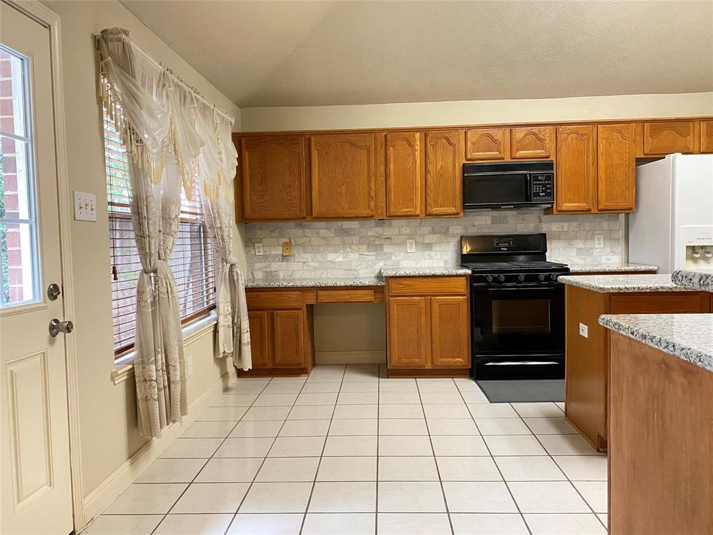 Active | 5125 Carefree Drive League City, Texas 77573 15