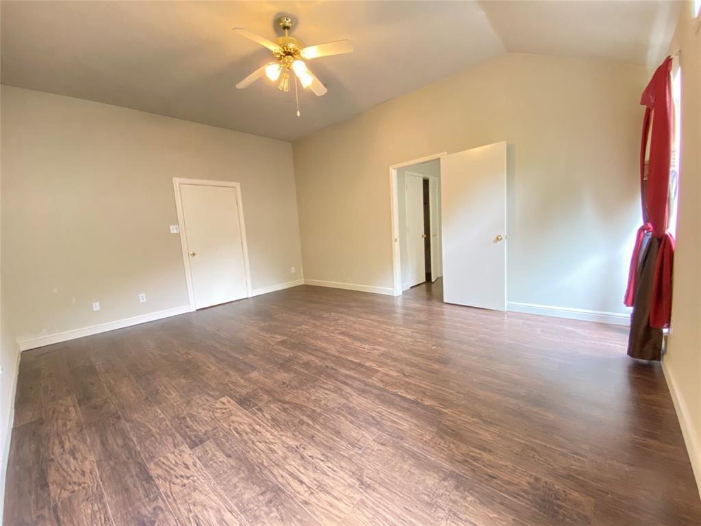 Active | 5125 Carefree Drive League City, Texas 77573 16