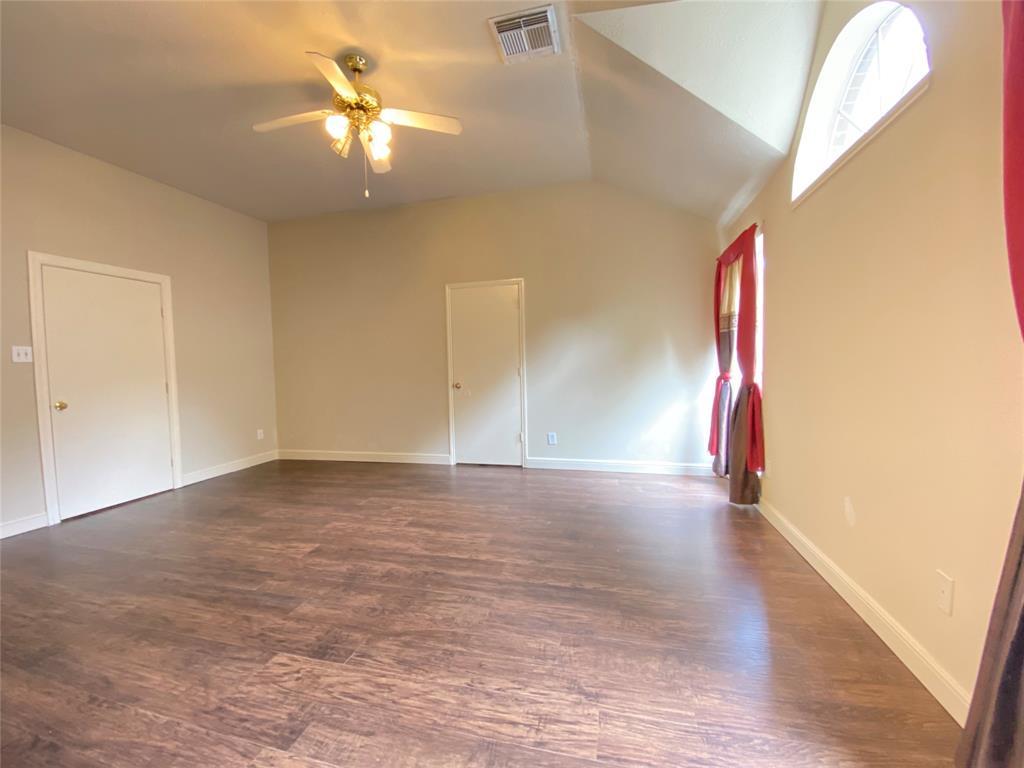 Active | 5125 Carefree Drive League City, Texas 77573 19